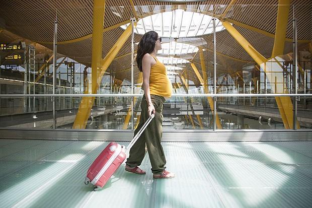 gravida viagem mala aeropor - Seguro de viagem para gestantes - como proceder