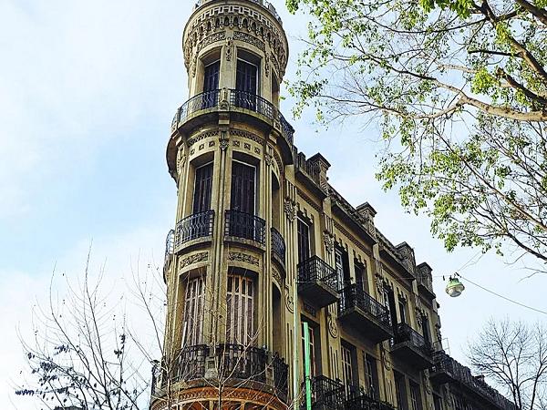 Historia de fantasmas e duendes no El Castillo em Buenos Aires