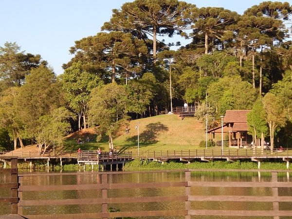 parque lago azul e bairro umbará curitiba
